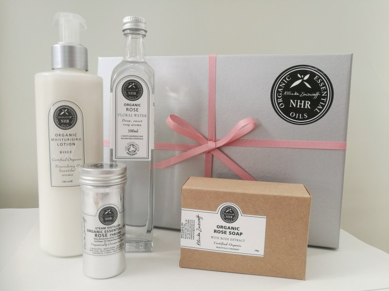 Organic Rose Gift Box - 25% discount.
