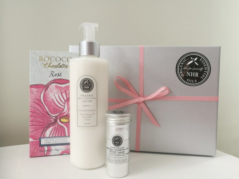 Organic Rose & Chocolate Gift Box - 25% discount