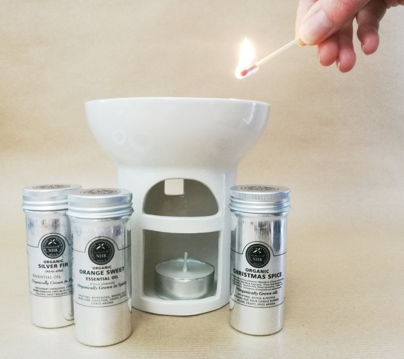 Aromatherapy Burner Set and Organic Essential Oils - 25% discount